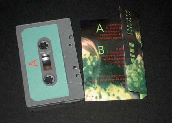 http://frissonscassettes.com/files/gimgs/th-20_cassette fragile index 1.jpg